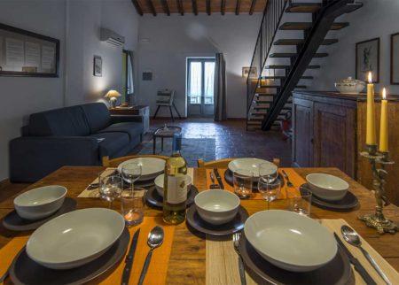 Dettaglio sala da pranzo appartamento Bellino, casa vacanze Le Fornaci Arezzo