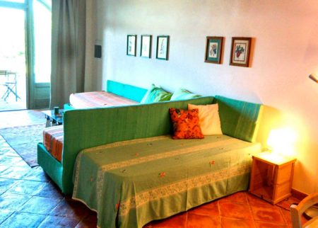 Dettaglio soggiorno cucina appartamento Lollo casa vacanze Le Fornaci Arezzo