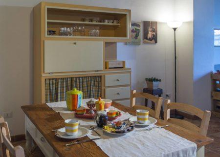 Dettaglio cucina appartamento Varisio casa vacanze Le Fornaci Arezzo